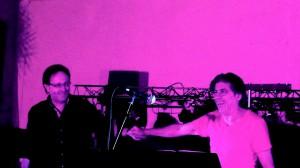 Laroque 22 août 2014 la fiin du petit concert improvisé au restaurant Le Phénix Laroque avec Kako www.jpvmusique
